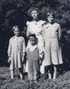 Gordon with his sisters Thelma, Fran & Norma                                                    1933
