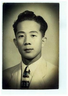 Mr. Kin Fong 方健先生 photos